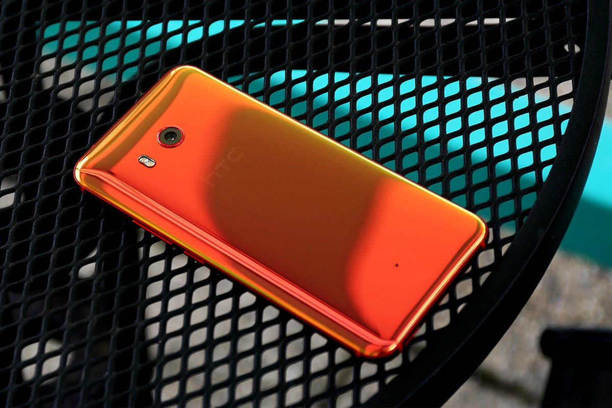 HTC ستكشف عن 3 هواتف جديدة قبل نهاية العام