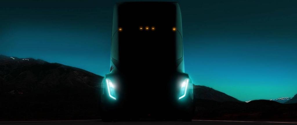 شاحنة كهربائية تيسلا