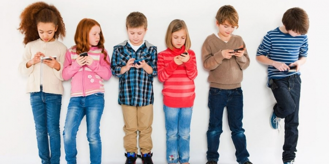 Investors in Apple want the company to limit the amount of time kids spend on the iPhone