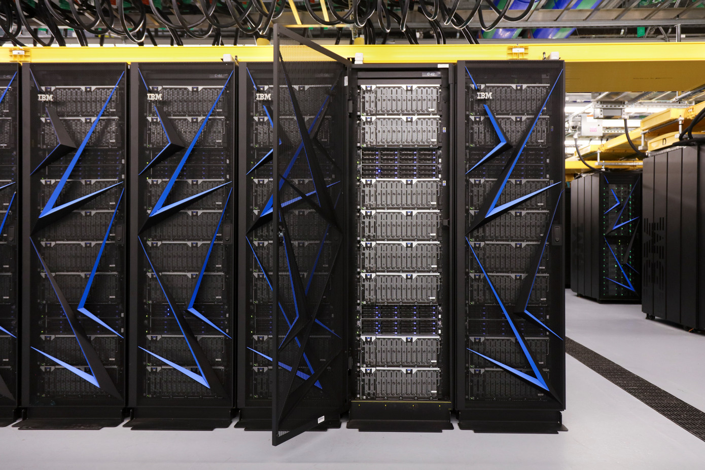IBM unveils the fastest computer in the world