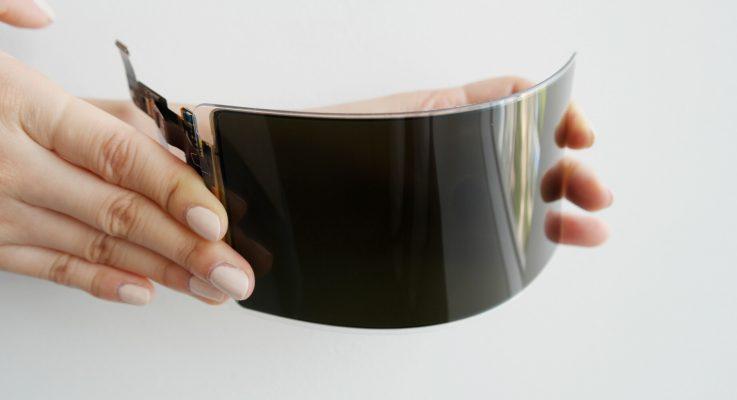 سامسونج تحصل على مصادقة لشاشة OLED غير قابلة للكسر