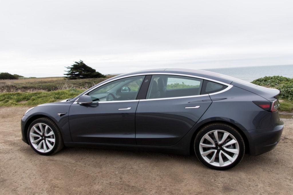 تسلا تصل لهدفها بعد طول انتظار بتصنيع 5,000 سيارة Model 3 في الأسبوع