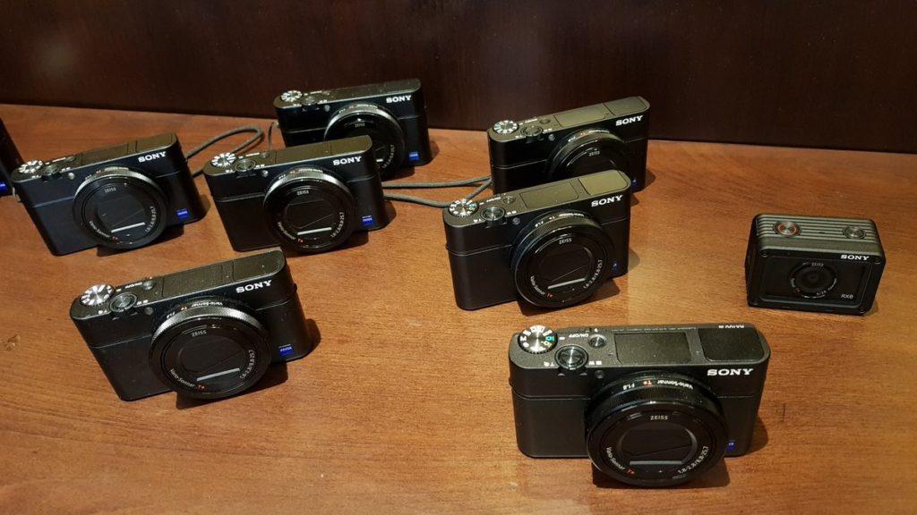 سوني تطلق كاميرا RX100 VI الجديدة مع عدسة زوم طويلة في السعودية