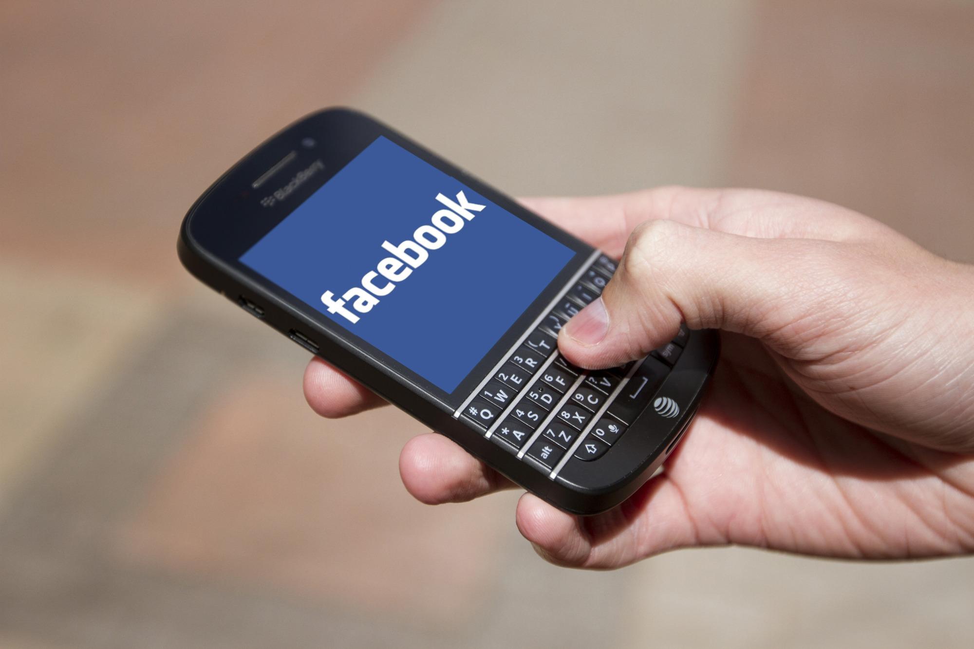 شركة فيسبوك تتهم بلاك بيري بالتعدي وسرقة تقنيتها الخاصة بالرسائل الصوتية