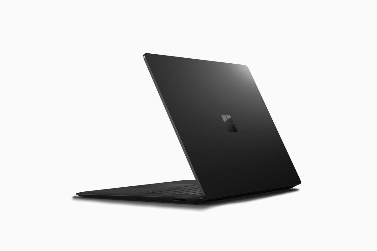 مايكروسوفت ستطلق أجهزة Surface باللون الأسود في الثاني من أكتوبر