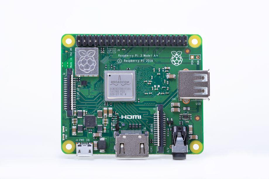 إطلاق نسخة جديدة حاسوب Raspberry Raspberry-Pi-3-Model