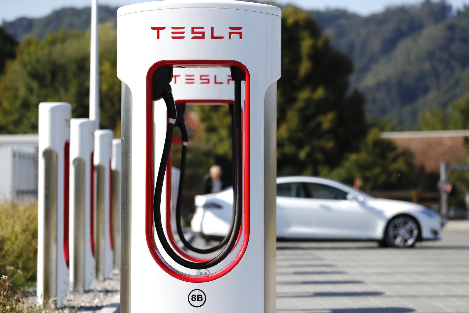 تسلا تخطط لإطلاق الجيل الثاني من Supercharger وتغطية أكبر للأسواق عام 2019