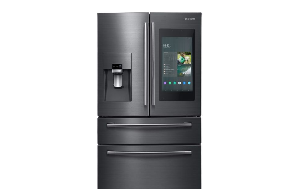 CES 2019: ثلاجة سامسونج الذكية Family Hub 4.0 سترسل اشعاراً لهاتفك في حال نسيت بابها مفتوحاً