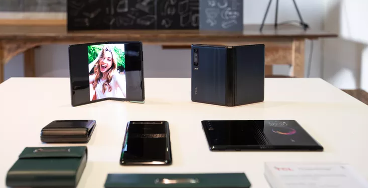 MWC19: شركة TCL تستعرض أجهزة قابلة للطي وتعطي لمحة عن مستقبل الهواتف