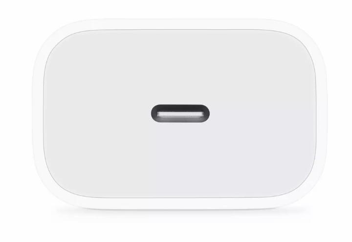 هواتف آيفون هذا العام قد تأتي مع كيبل وشاحن USB-C [شائعات]