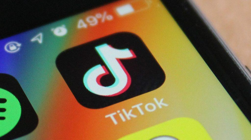 تطبيق تيك توك يواجه مشاكل قانونية جديدة وهذه المرة في المملكة المتحدة