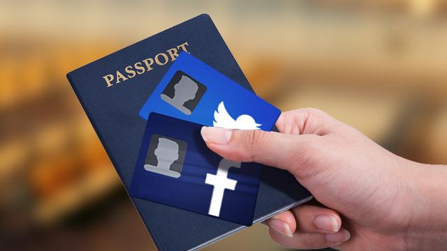الولايات المتحدة تطلب حسابات الشبكات الاجتماعية لمن يود السفر إليها