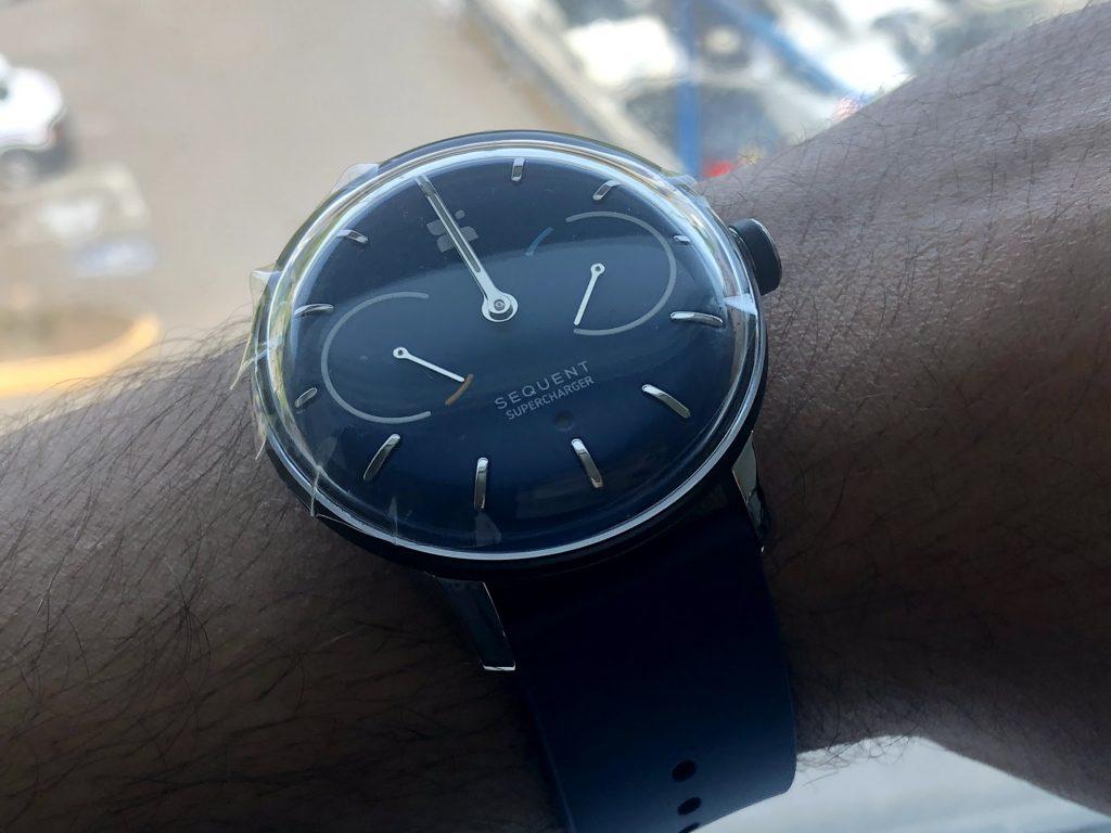 مراجعة Sequent: الساعة السويسرية الذكية الأولى في العالم بخاصية الشحن الذاتي