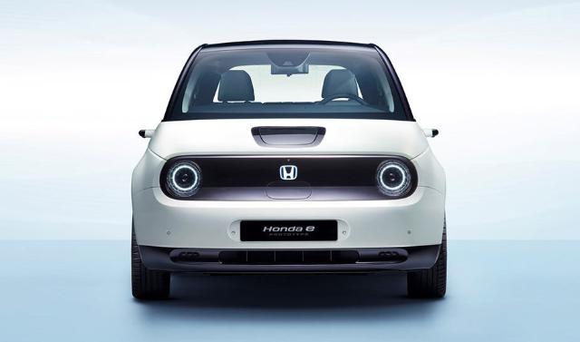 هوندا تكشف المزيد من التفاصيل عن سيارتها الكهربائية Honda E