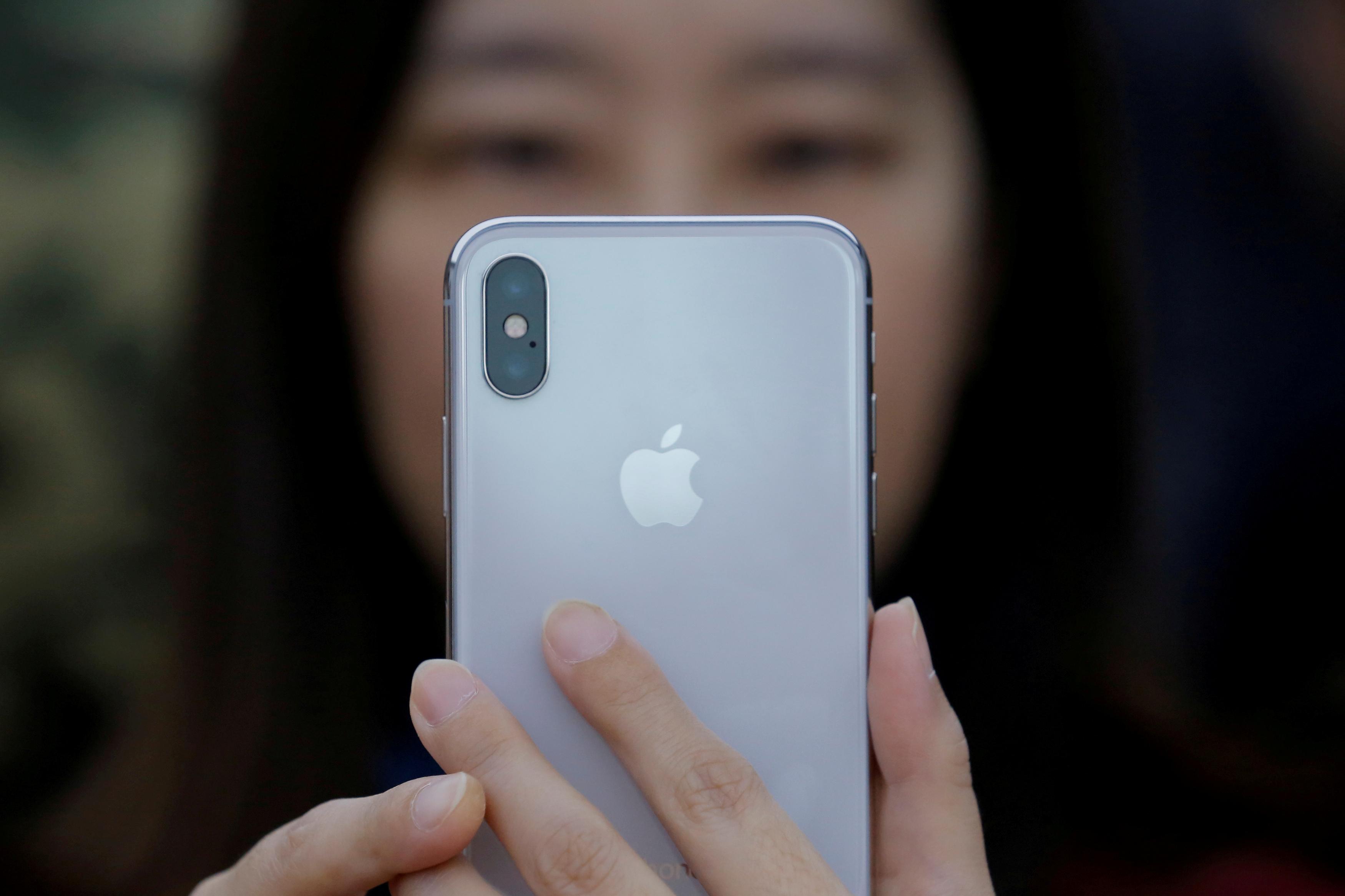 الإدارة الأمريكية تؤجل فرضها ضريبة 10% على بعض المنتجات المستوردة من الصين