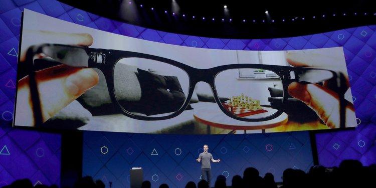 فيس بوك تتعاون مع راي بان لإنتاج نظارة واقع معزز بديلة للهاتف الذكي