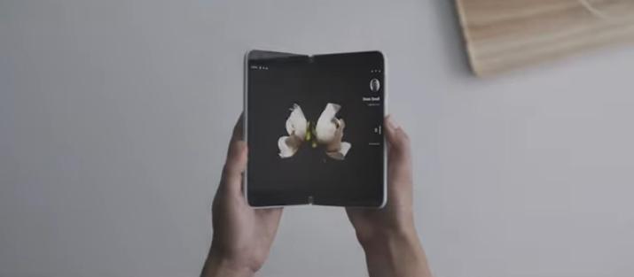 مايكروسوفت تعود لعالم الهواتف الذكية مع Surface Duo بشاشة مزدوجة ونظام أندرويد