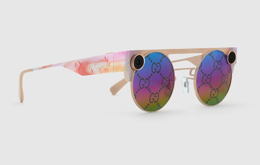 غوتشي تتعاون مع سناب شات لإطلاق نسخة محدودة من نظارة Spectacles 3