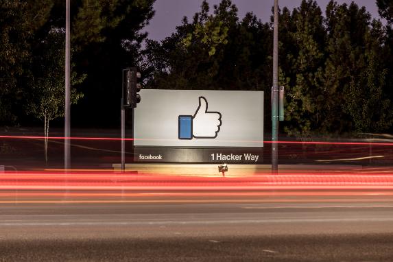 فيس بوك ترفع دعوى قضائية ضد شركة الإعلانات ILikedAD