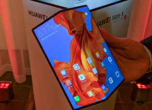 Screenshot_2020-01-11-Huawei-says-it's-selling-100000-foldable-phones-a-month2-300x217