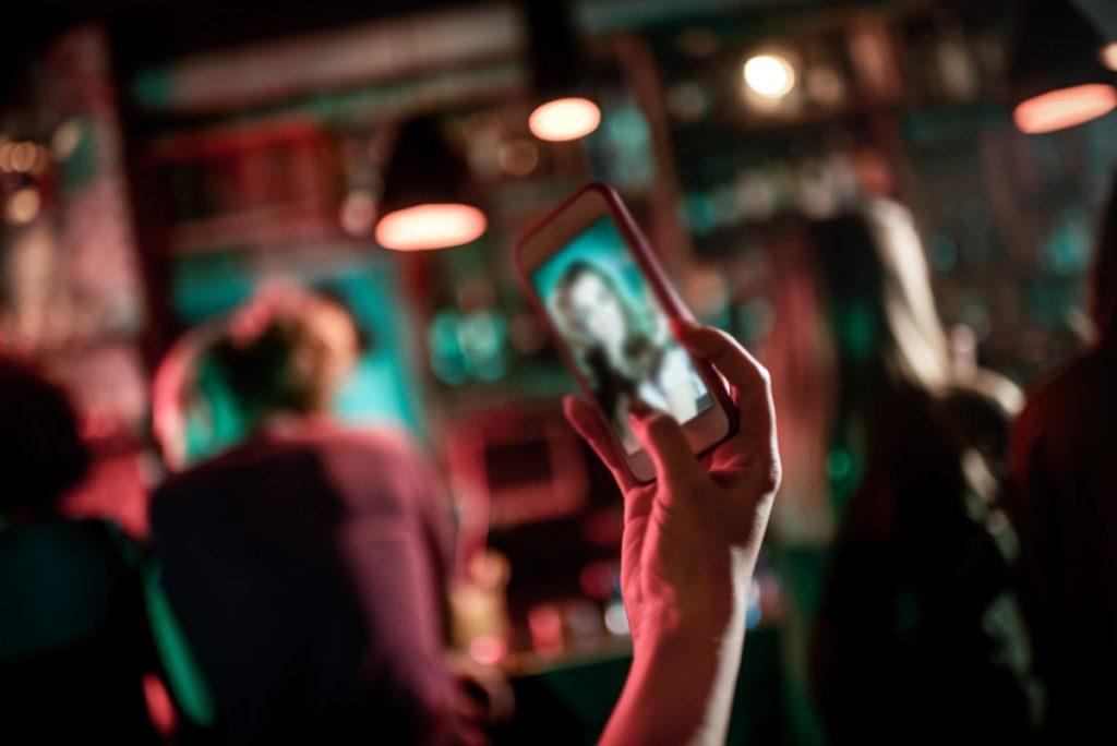 Facetune Video تطبيق جديد لتحسين فيديوهات السيلفي