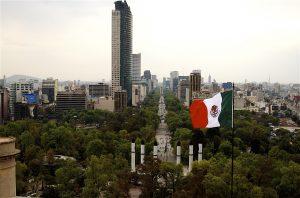 كبرى شركات تصنيع الهواتف الذكية تفكر بافتتاح مصانع في المكسيك