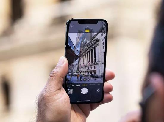 وصول تحديث iOS14.3 مع ميزة التصوير ProRAW وحل مشكلة إشعارات الرسائل
