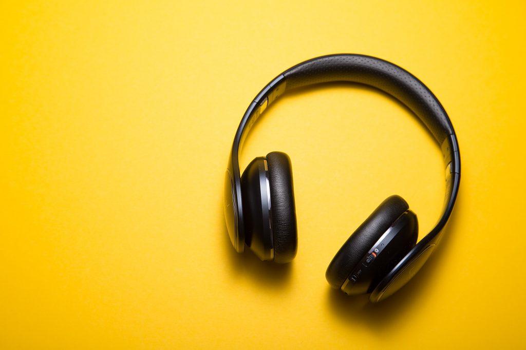 دليلك إلى أفضل السماعات اللاسلكية