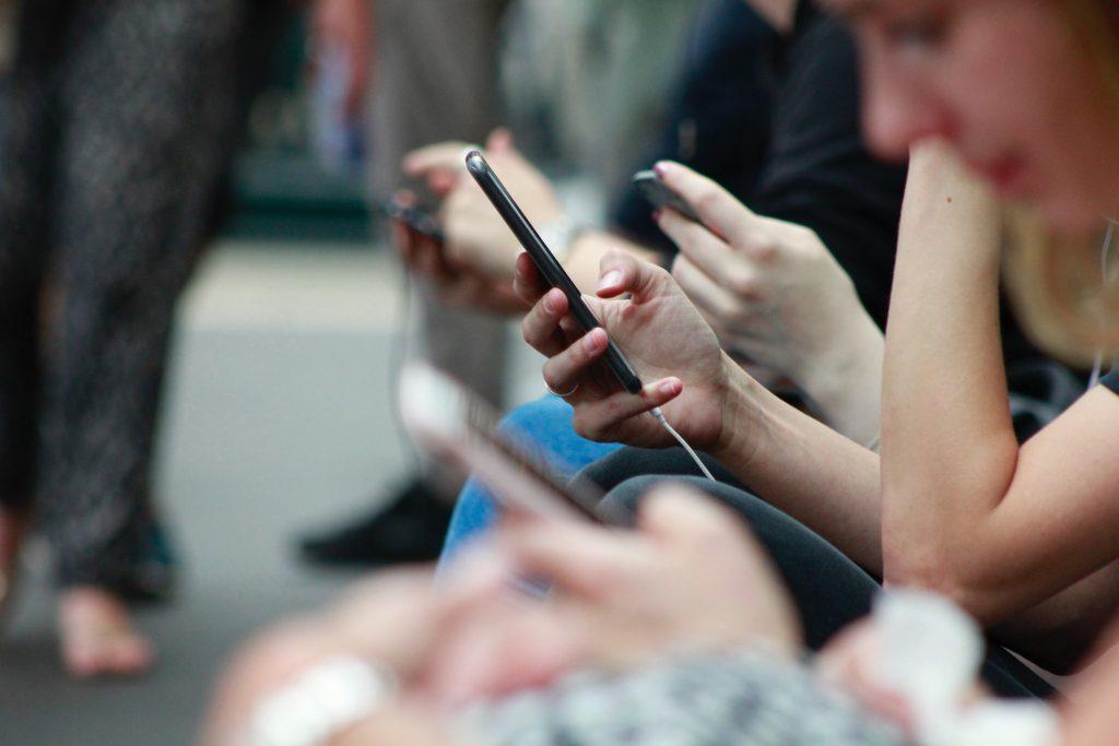 هل حقًا يمكننا الخروج من الشبكات الاجتماعية ؟