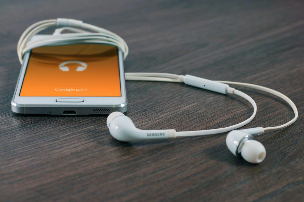 أفضل 7 تطبيقات للاستماع إلى البودكاست - Podcast