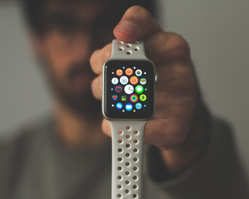 ما تحتاج أن تعرفه قبل شراء ساعة ذكية