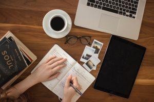 المنتجات الرقمية: كيف تبدأ البيع وتحقق دخل إضافي؟