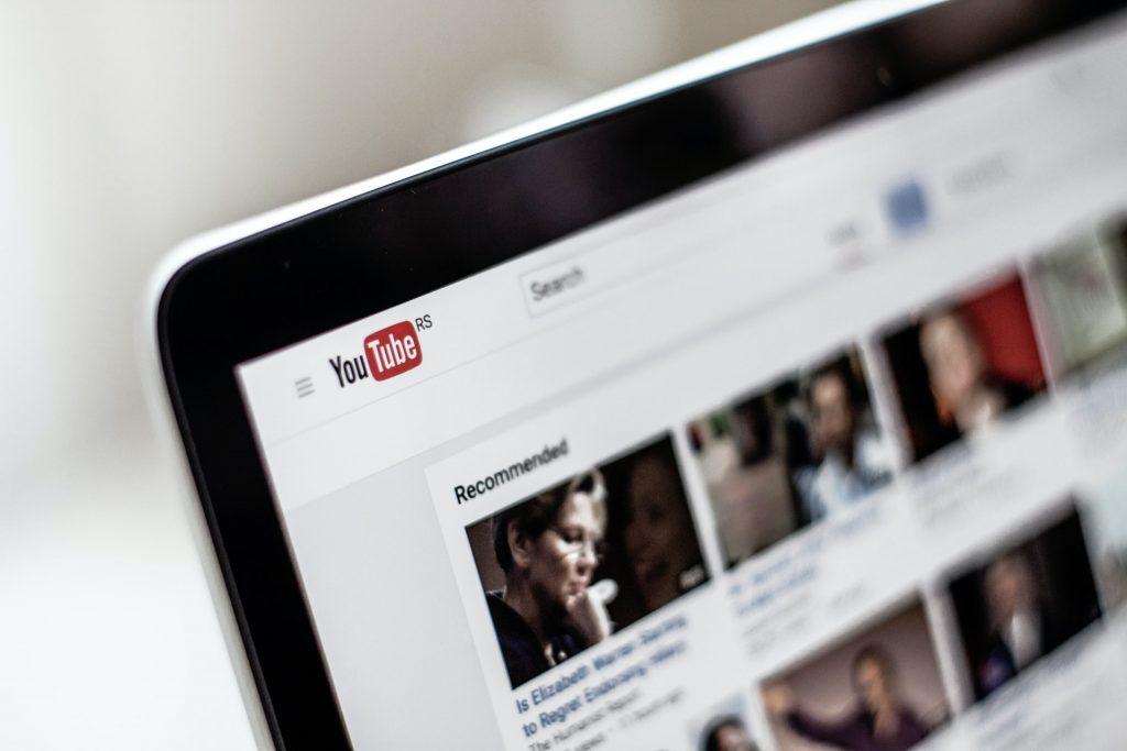 كيف تصنع مقطع دعائي رائع لقناة يوتيوب