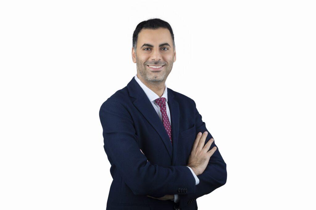 مقابلة عالم التقنية مع أحمد ابراهيم مدير تمكين المبيعات في إنتل بمنطقة أوروبا والشرق الأوسط وأفريقيا