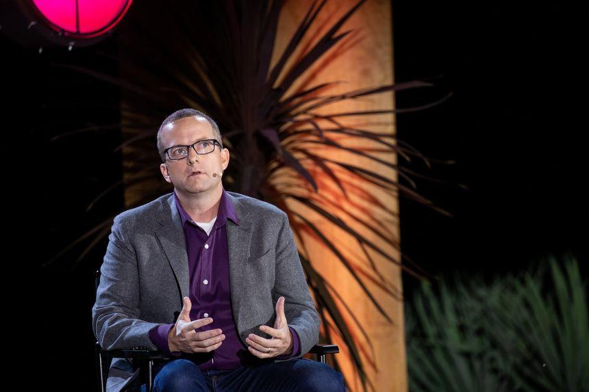 مدير التقنية في فيس بوك يترك الشركة بعد 13 عامًا - مايك شرويفر
